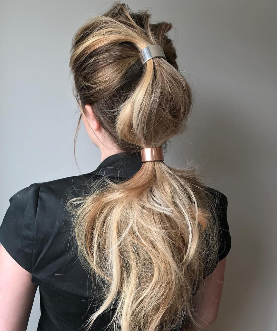 Double-Clutch-Ponytail- 25 Prom Hairstyles 2020 for an Exquisite Look