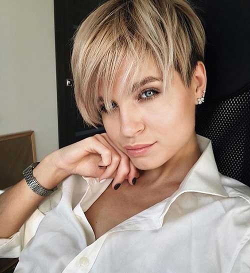 Layered-Pixie-Hairstyle 20 Layered Short Haircuts for Women