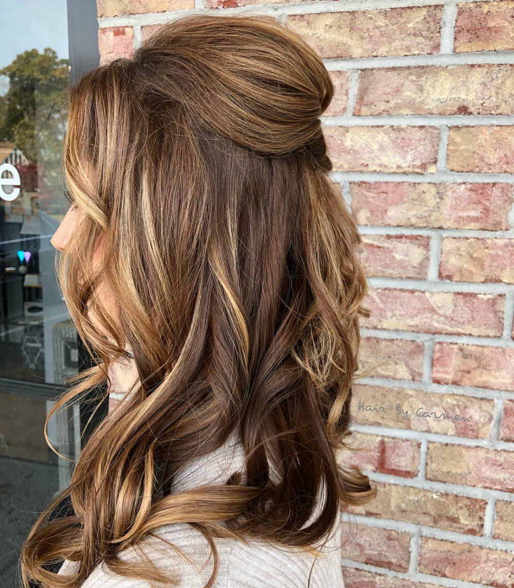 Puff-with-Under-Curls 25 Prom Hairstyles 2020 for an Exquisite Look