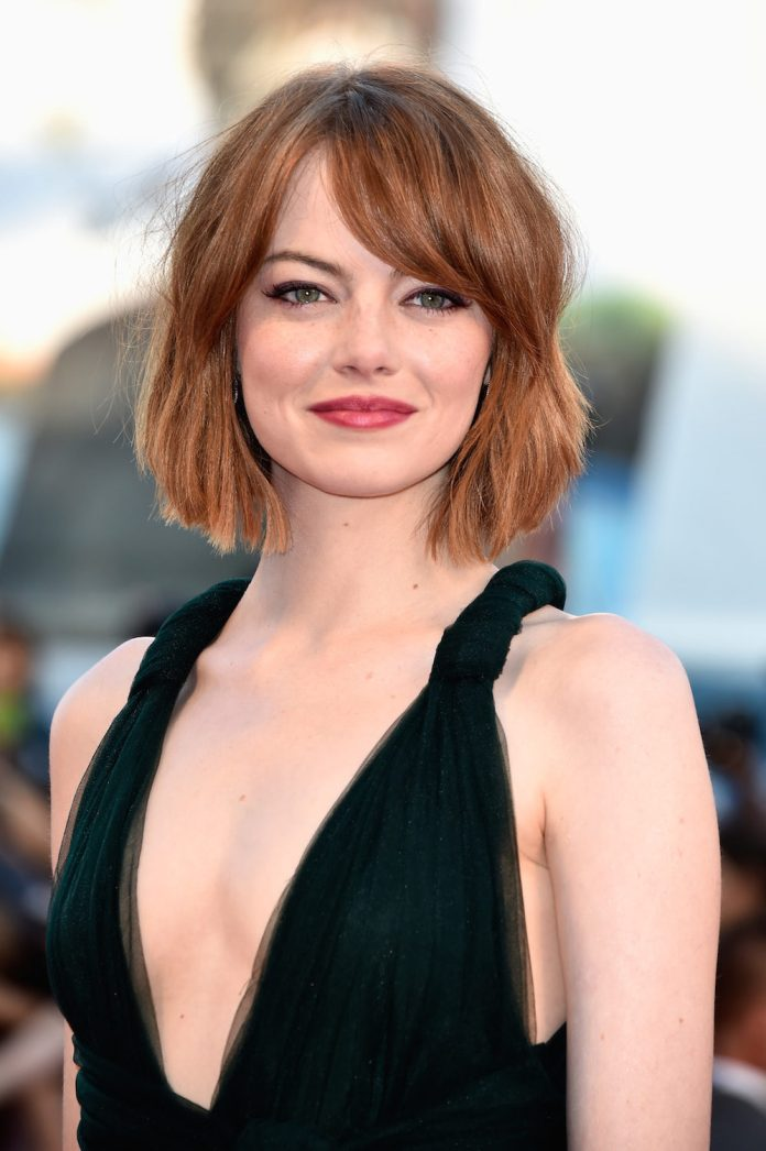 Short-Textured-Bob- 25 Stupendous Hairstyles for Round Faces