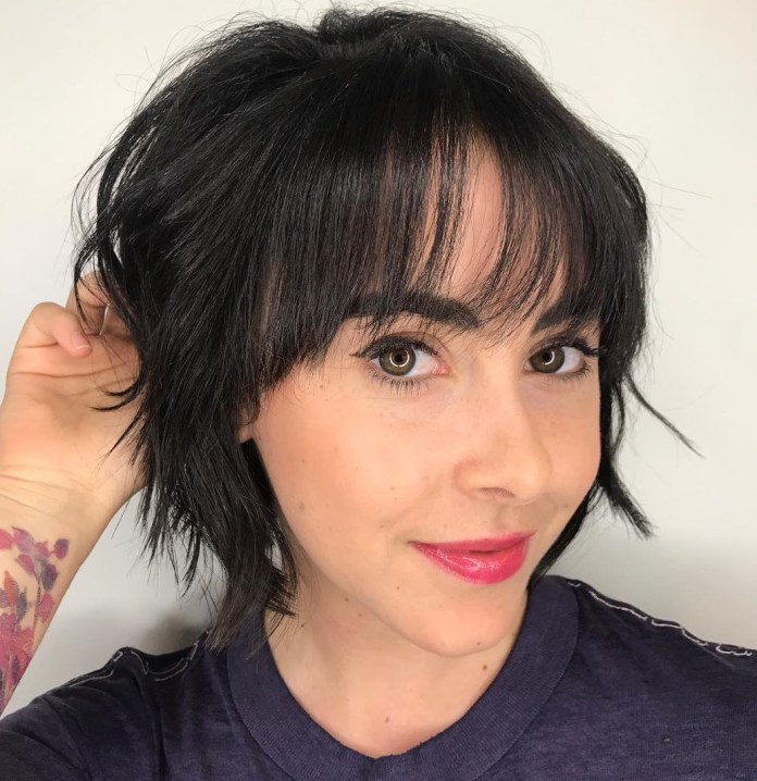 Short-bob 12 Chic Hairstyles For Women With Long Faces