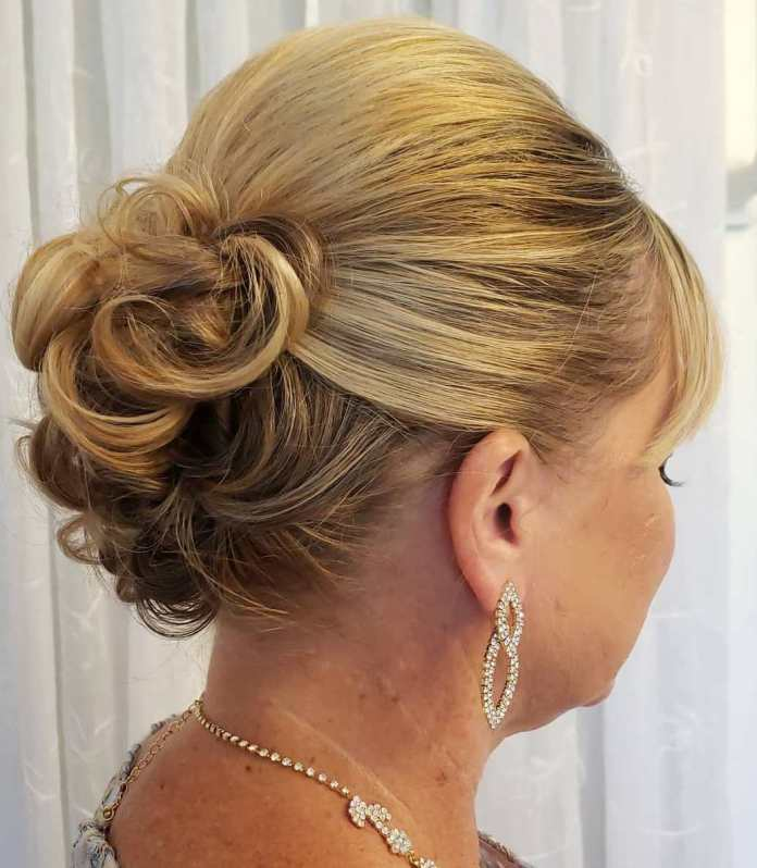 Sleek-and-Curly-Updo 15 Beautiful Hairstyles for Mother of The Bride That's Easy To Put Together