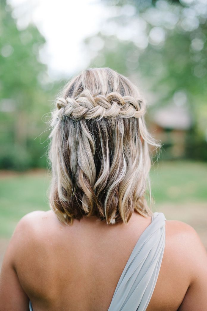 Statement-Hair-Crown 21 Bridal Hairstyles 2020 for an Elegant Look