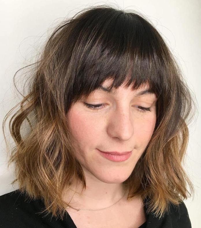 wavy-shoulder-length-bob 12 Chic Hairstyles For Women With Long Faces