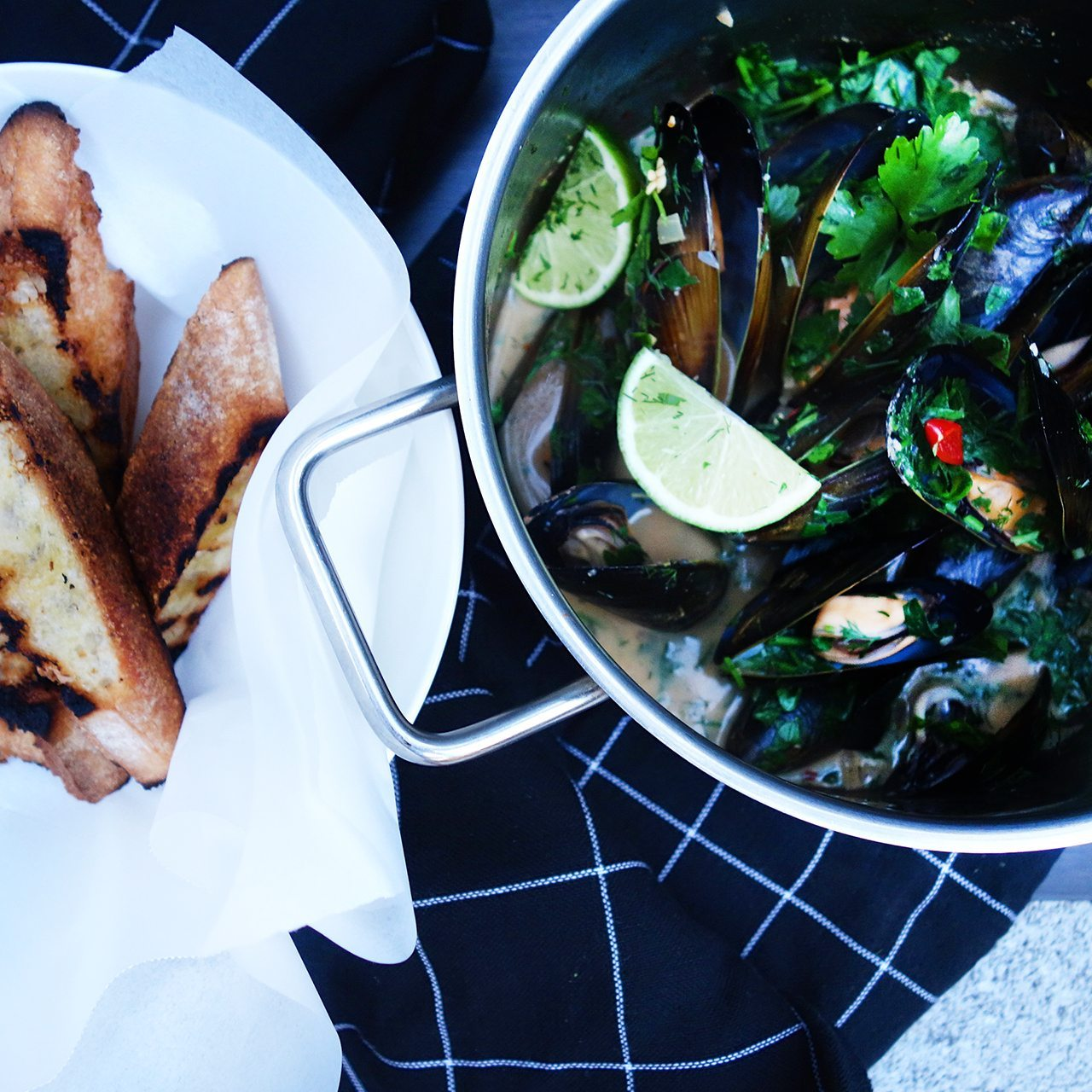 clean eats coconut chilli mussels with dill and crusty bread