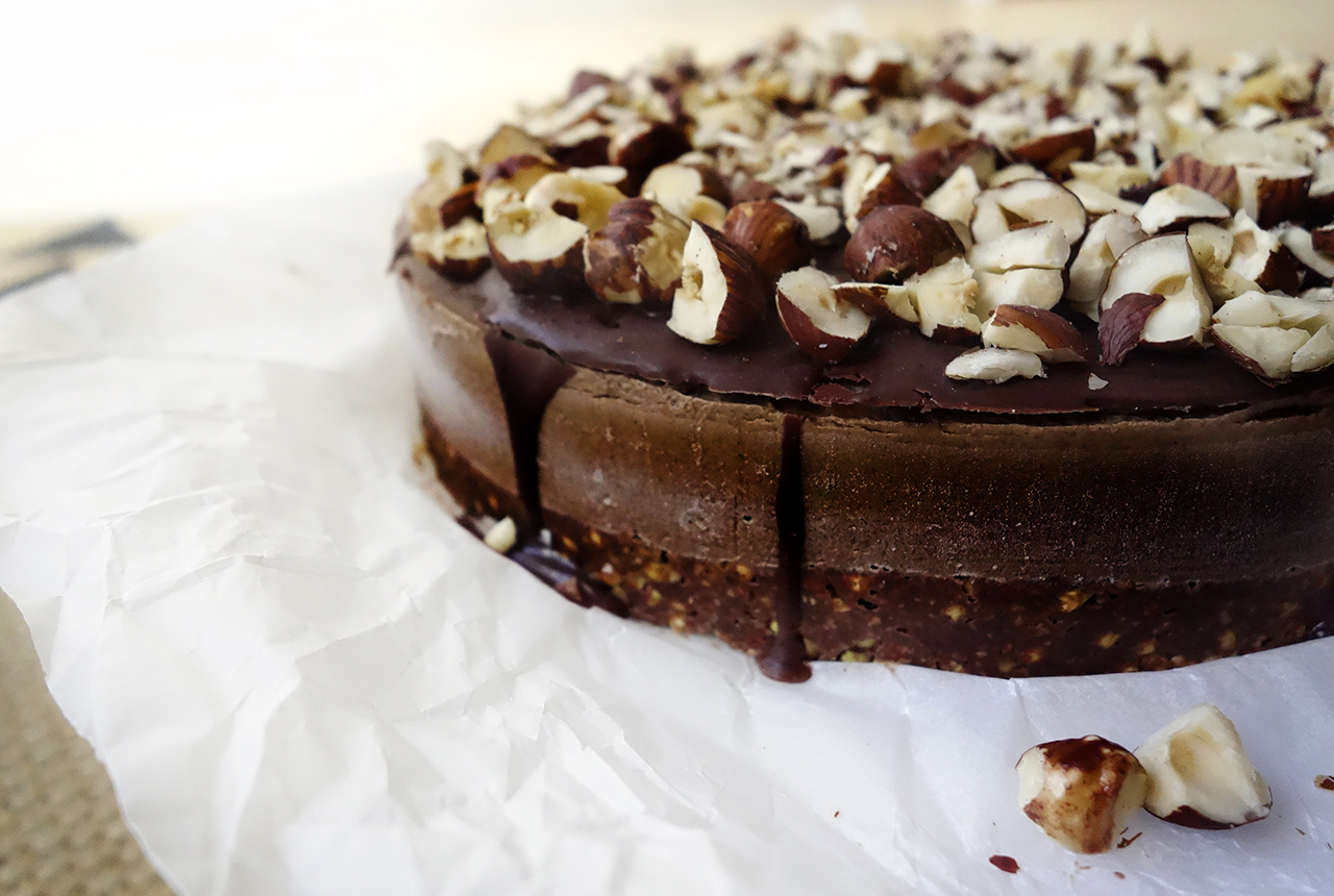 raw chocolate hazelnut nutella cake