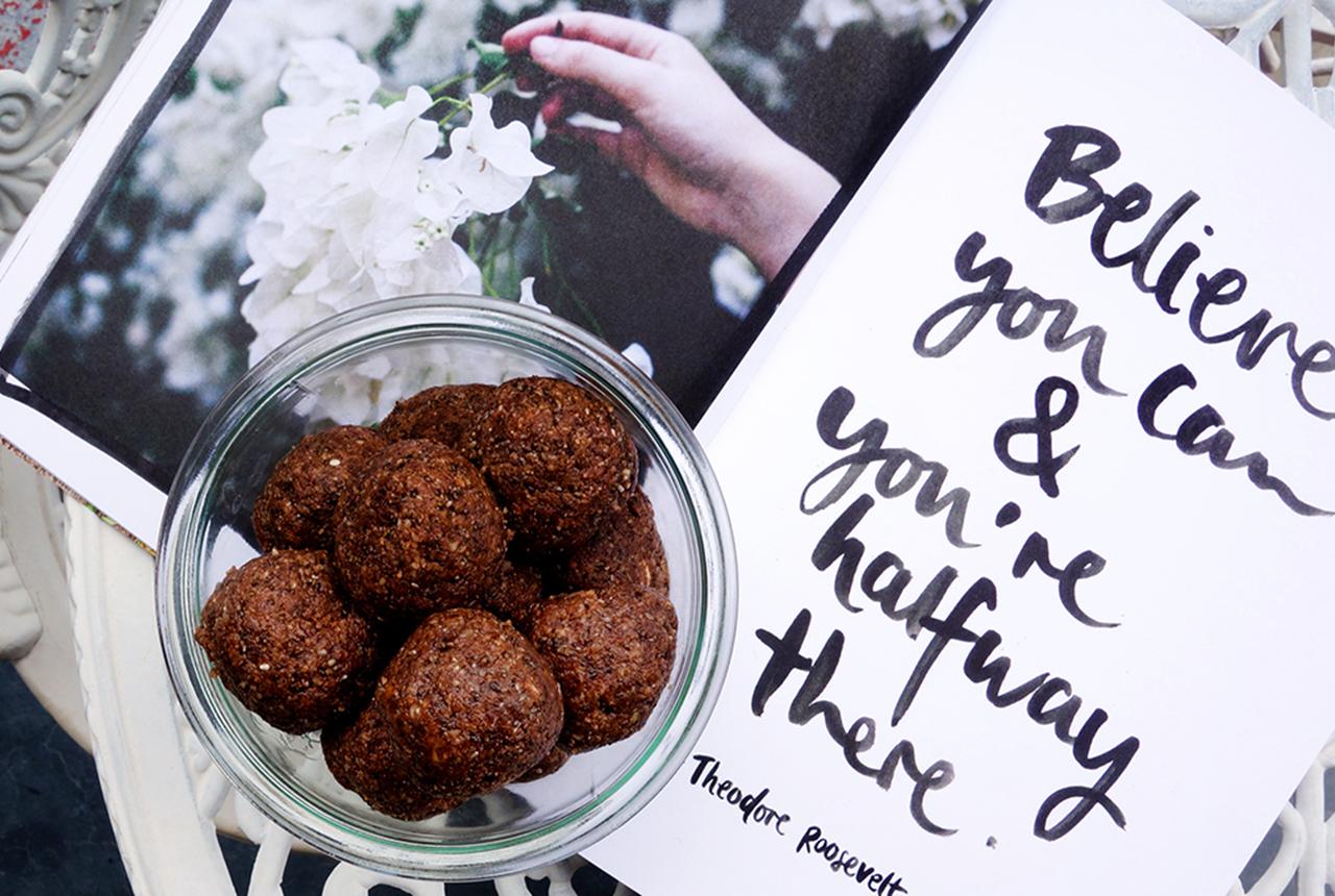 Raw Cacao-Chia Protein Balls