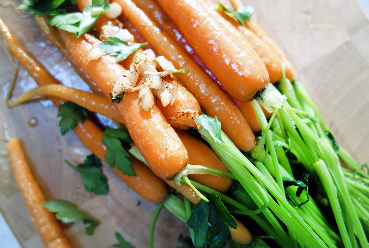 healthy baby carrots with garlic butter and mint 3