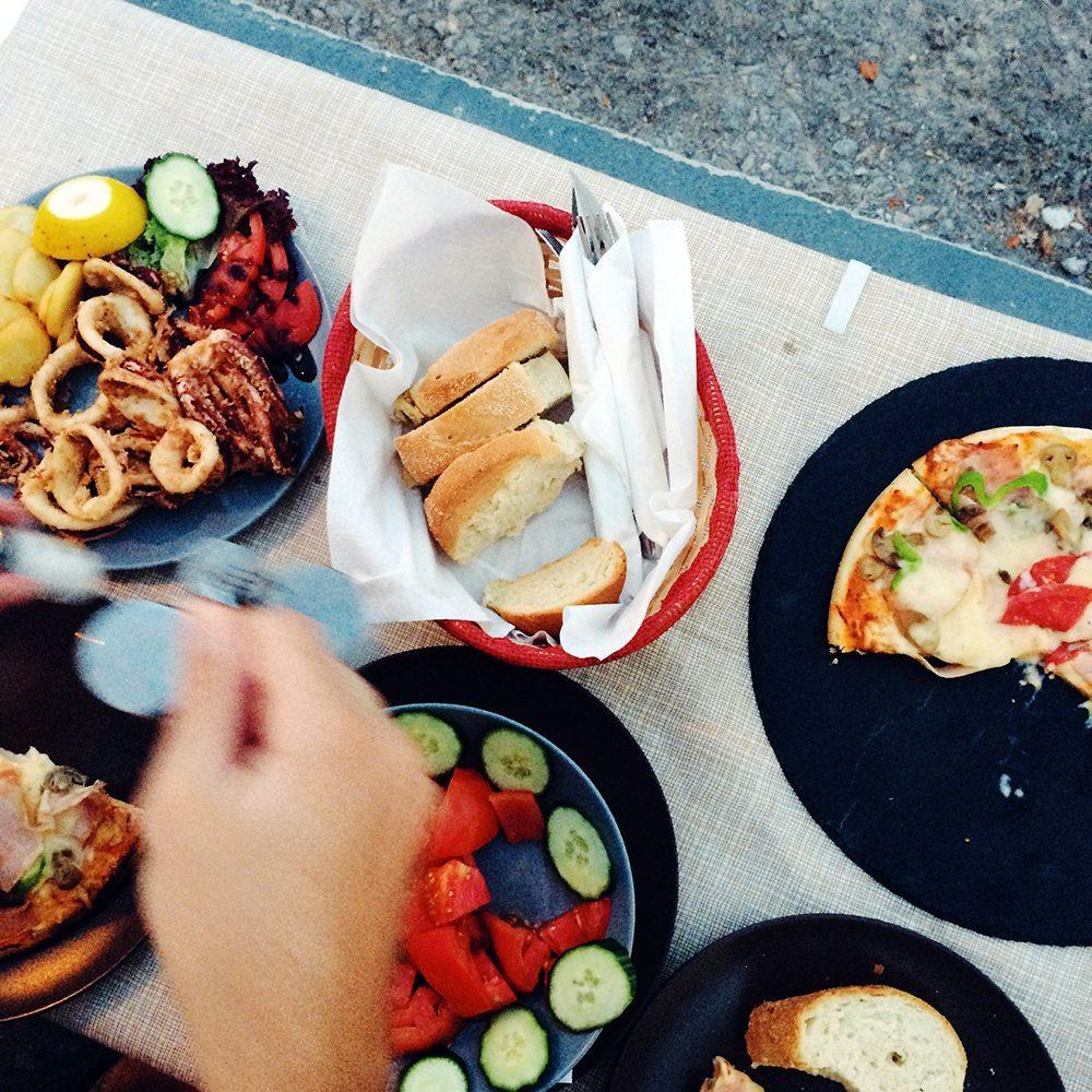 seafood feast santorini