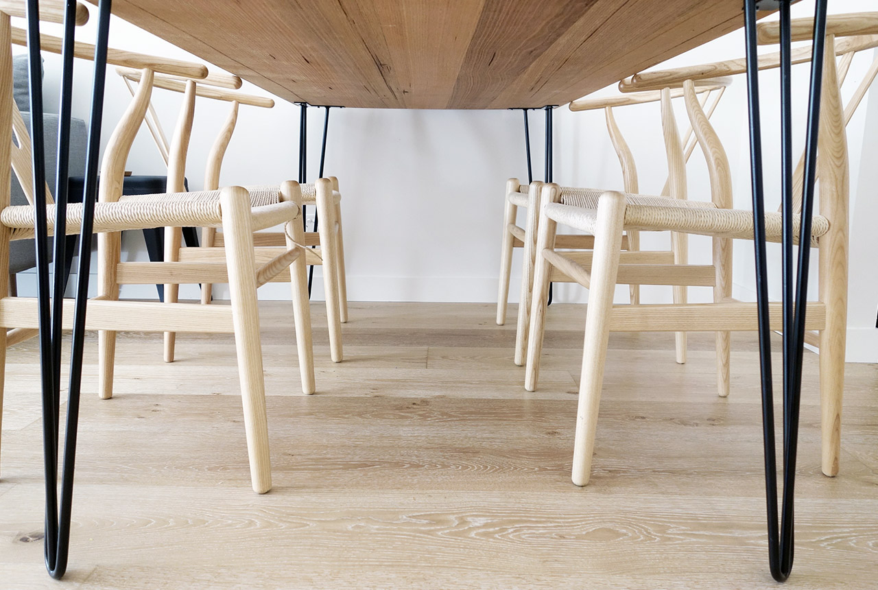 surry-hills-sydney-luxury-apartment-australian-hairpin-leg-industrial-table-wishbone-chairs-16