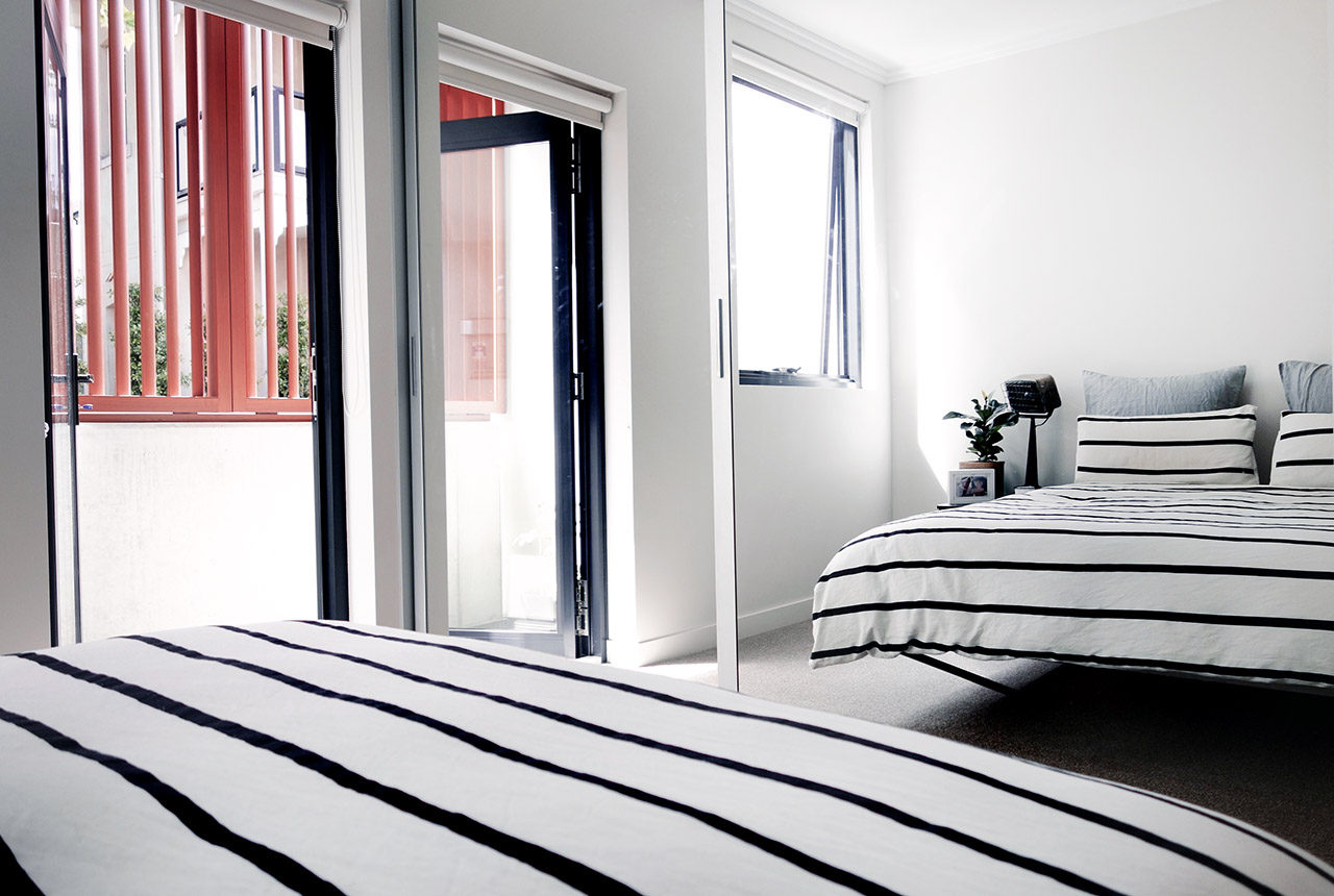 surry-hills-sydney-luxury-apartment-diy-floating-bed-country-road-augie-striped-duvet-industrial-lamp-leopald-hall-23
