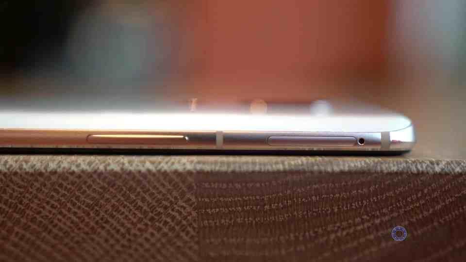 OnePlus 6 Left Side