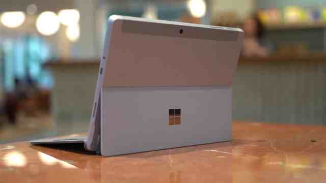 Rear of Surface Go