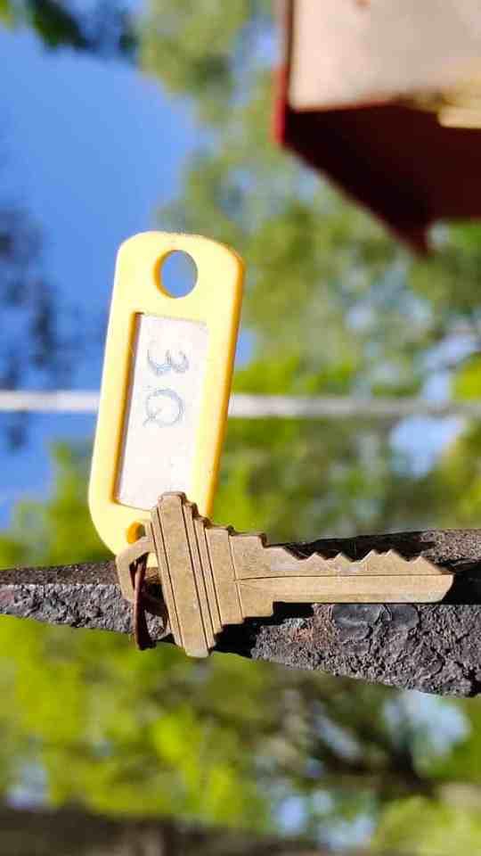 TCL 10 Pro sample image of a key
