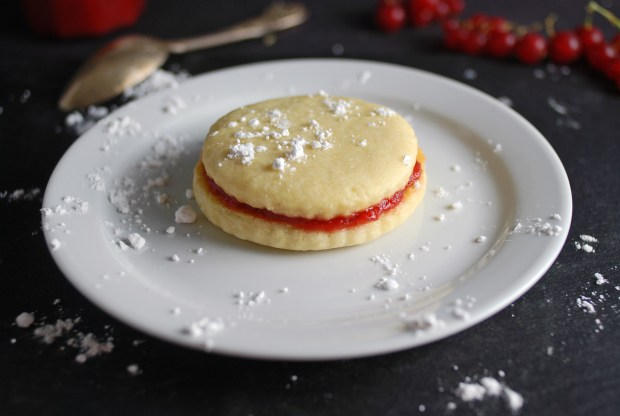 Strawberry Cookie Sandwich