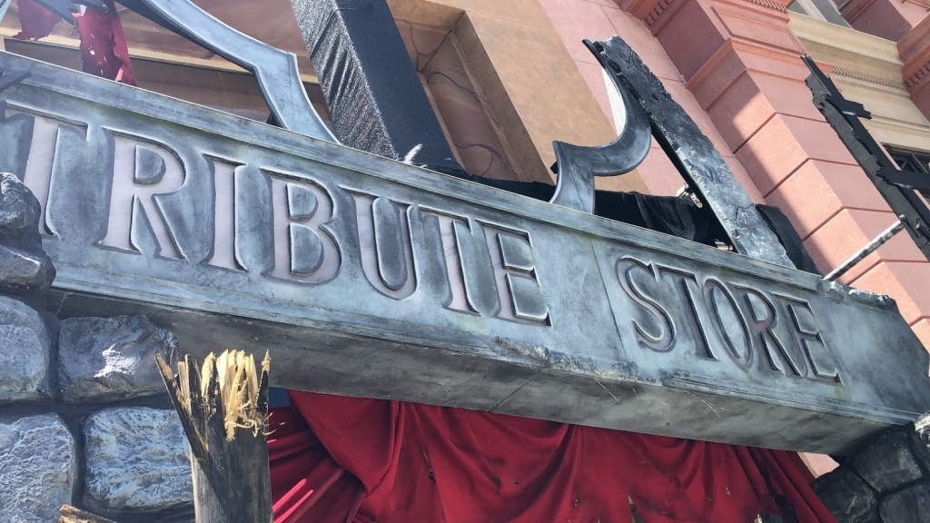 Universal Orlando Halloween Horror Nights HHN 30 Tribute Store facade