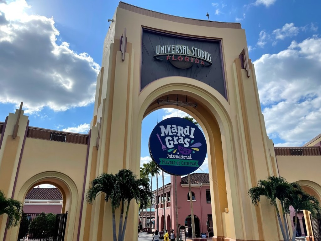 Universal Orlando Mardi Gras 2021 final weekend entrance