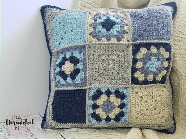 Lake Breeze Pillow | Free Crochet Pattern | The Unraveled Mitten