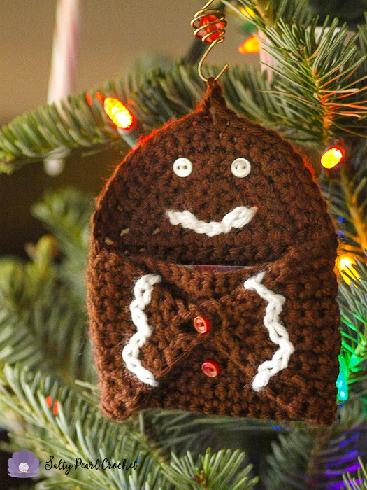 Last Minute Christmas Gift Round up | The Unraveled Mitten | Gingerbread Gift card holder
