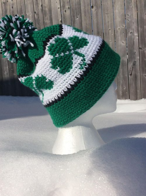 Shamrock Toque | Party of a St. Patrick's Day Crochet Pattern Round up on The Unraveled mitten