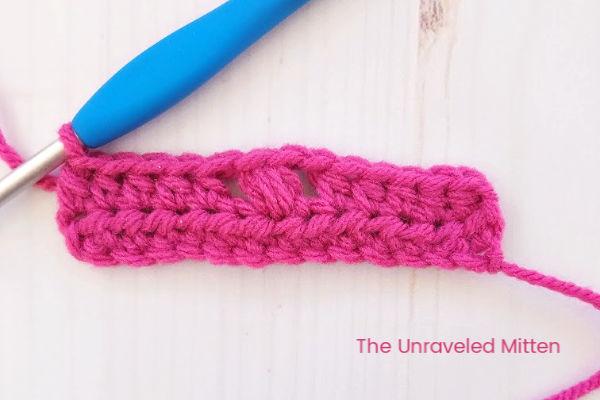 Tiny Flower Crochet Stitch Step 1   The Unraveled Mitten