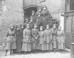 The first contingent of the Women's Overseas Hospitals, supported by the National American Woman Suffrage Association. 165-WW-600-A10