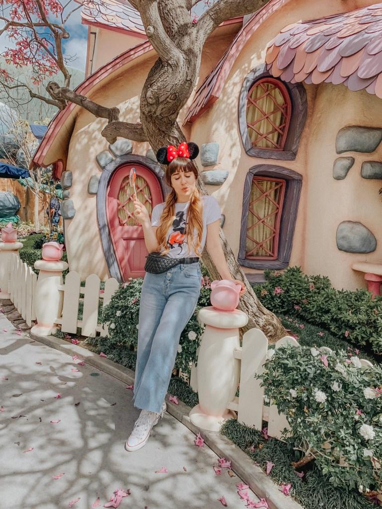 Disneyland, Fantasyland, California, Mickey's Toontown, Minnie's House, Instagram, Disneyland Instagram photo guide, photo guide, Disney, travel blogger, fashion blogger, travel, fashion