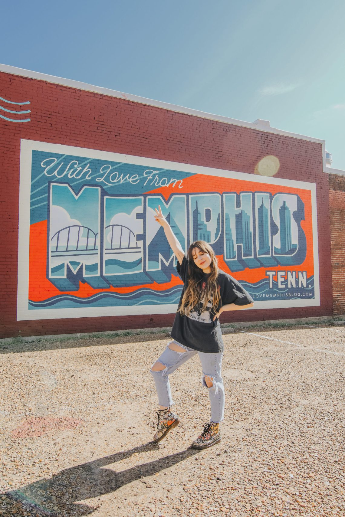 With Love From Memphis Mural, Memphis Mural, South Main Arts District, art, murals, art district, Blues, Memphis, Tennessee, Memphis Travel Guide, travel guide, The Best Instagram Spots in Memphis, travel, The Urban Darling, fashion, boho fashion, bohemian.