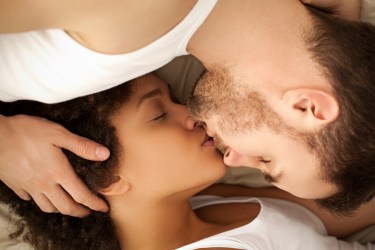 interracial couple, couple kissing, PDA, romantic kiss, man and woman kissing