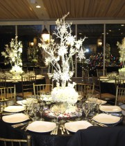 Winter-Wedding-Centerpieces-2