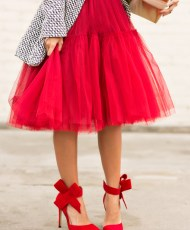 lace-and-locks-petite-fashion-blogger-red-tulle-skirt-red-bow-heels-07