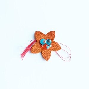 floare-martisor-brosa-piele-portocalie-sashaccessories