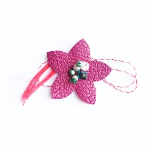floare-martisor-brosa-piele-roz-sashaccessories