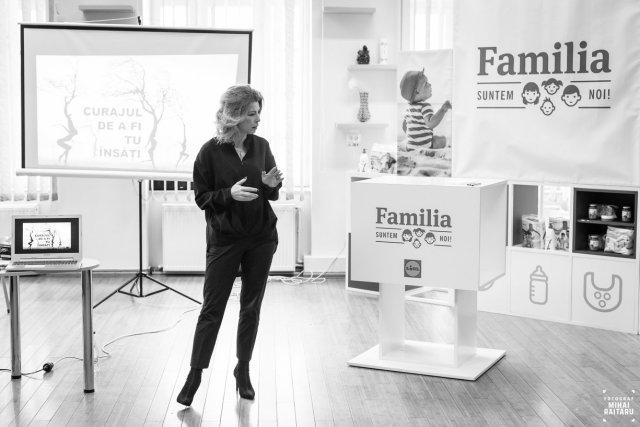 Laura Dragomir @ Digital Parents Talks