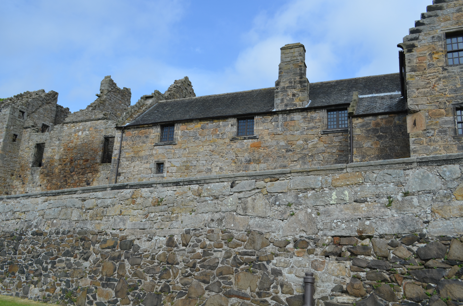Aberdour Castle, Outlander, To Ransom a Man's Soul