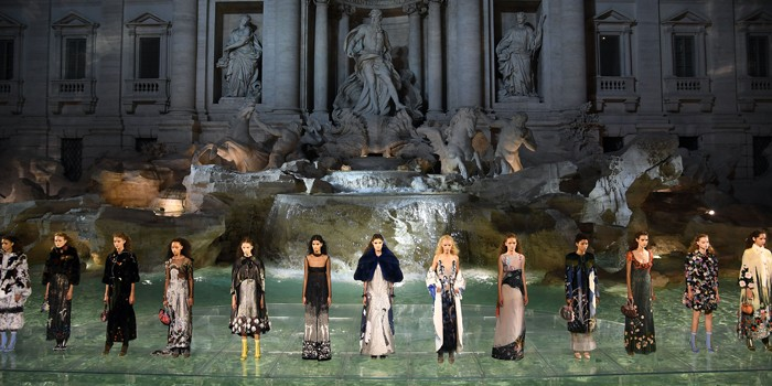 Couture-Diaries-Fendi90Years-At-The-Trevi-Fountain