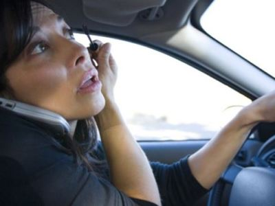 Distracted Driving Most Dangerous Habits to Have Behind the Wheel