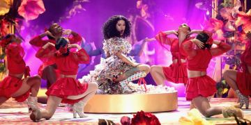 """Cardi B performs """"I Like It Like That"""" during the 2018 American Music Awards. Photo credit: Popsugar.com"""