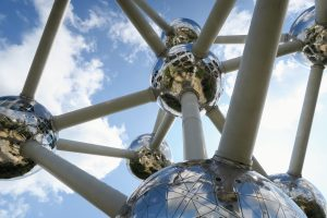 Looking up to the Atomium