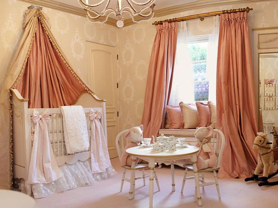 """habitacion-clasica-princesas-4 """"width ="""" 564 """"height ="""" 423 """"srcset ="""" https://i0.wp.com/theusefulidea.com/wp-content/uploads/2019/02/1550649357_157_Classic-rooms-for-Princesses-for-babies-Thematic-Rooms.jpg?w=960&ssl=1 564w, https: //www.habitacionestematicas.com/wp-content/uploads/habitacion-clasica-princesas-4-300x225.jpg 300w, https://www.habitacionestematicas.com/wp-content/uploads/habitacion-clasica-princesas-4 -370x278.jpg 370w """"sizes ="""" (max-width: 564px) 100vw, 564px """"/><figcaption class="""