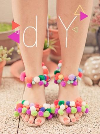 make sandals with pompoms