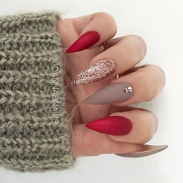 Festive Stiletto red nails, Brown and Rose Gold Glitte...