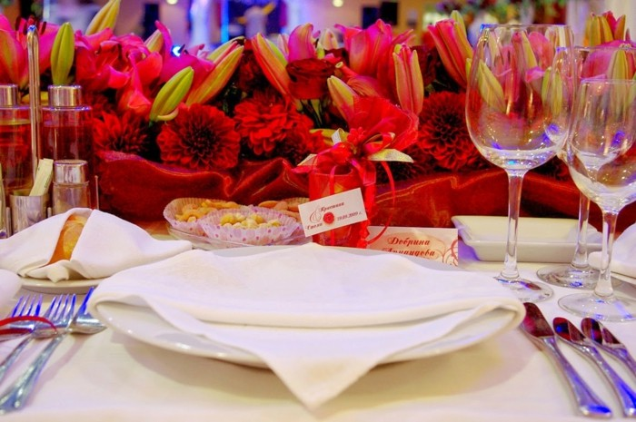 centerpieces for weddings red color ideas