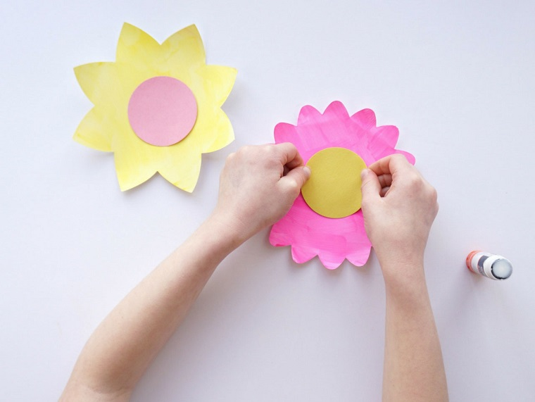 flowers-cardboard-light-colors-special