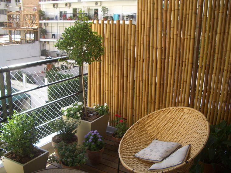 decorate small screen balcony