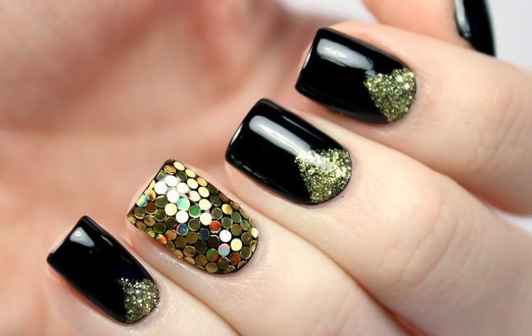 Christmas Nail Designs With Black