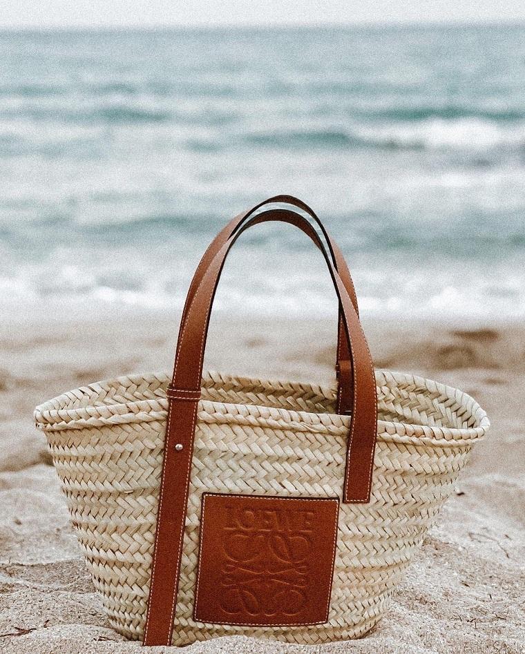 Beach bags 2021-loewe