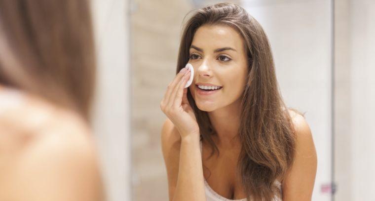 exfoliating acidic skincare removes pimples