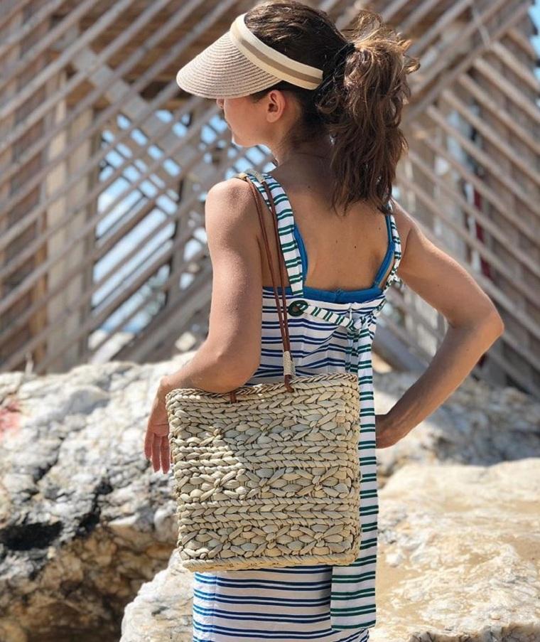 bag-vacation-by-sea