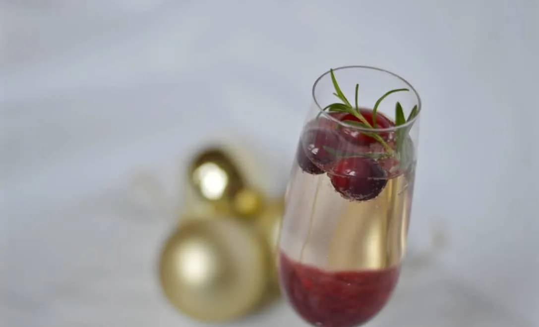 Cranberry prosecco cocktail